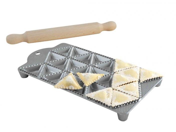 משטח להכנת רביולי משולש 24 שקעים תוצרת איטליה