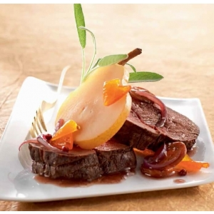 אוכף בשר צבי עם פרי קוּמְקְוָט ותבלינים
